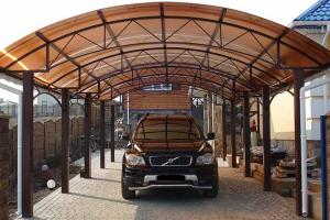 Металлические навесы для автомобилей: классификация и как построить