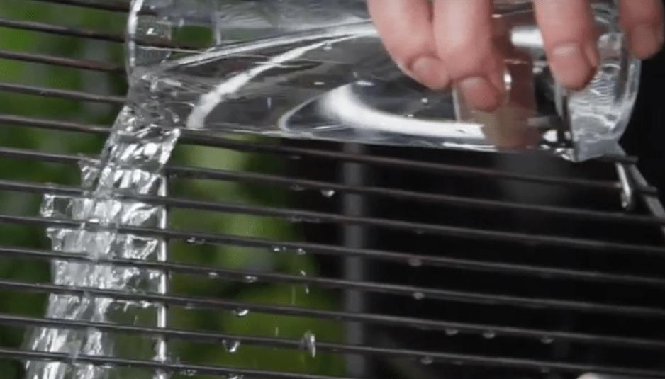 Как почистить решетку барбекю от ржавчины электрокамины в росстове купить