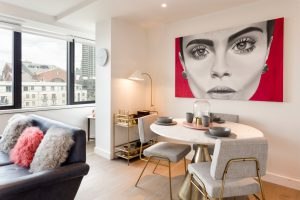 Гостиная в квартире — советы по выбору, обзор лучших идей и решений создания стильных гостиных комнат (105 фото   видео)