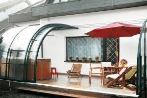 Веранда из поликарбоната пристроенная к дому – особенности и рекомендации